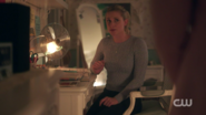 RD-Caps-2x08-House-of-the-Devil-98-Betty