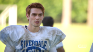 RD-Caps-2x03-The-Watcher-in-the-Woods-06-Archie-bulldogs