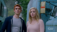 RD-Caps-2x06-Death-Proof-19-Archie-Betty