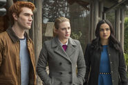 RD-Promo-2x14-The-Hills-Have-Eyes-09-Archie-Betty-Veronica