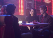 RD-Promo-2x14-The-Hills-Have-Eyes-04-Jughead-Betty-Archie-Veronica