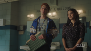 RD-Caps-5x06-Back-to-School-137-Archie-Veronica