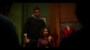 KK-Caps-1x08-Its-Alright-Ma-(Im-Only-Bleeding)-12-Mateo-Luisa