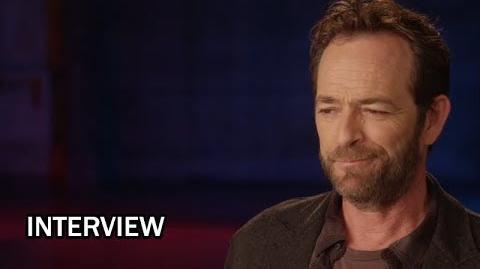"""Riverdale """"Luke Perry"""" Interview Favorite Scene in Season 1"""