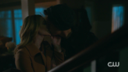RD-Caps-2x14-The-Hills-Have-Eyes-135-Betty-Jughead-kiss