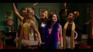 KK-Caps-1x05-Song-for-a-Winters-Night-68-Pepper-Katy-Jorge-Ginger-Pepper