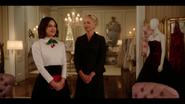 KK-Caps-1x01-Pilot-18-Katy-Gloria