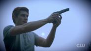 RD-Caps-2x04-The-Town-That-Dreaded-Sundown-14-Archie-gun