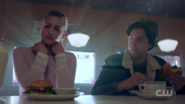 RD-Caps-2x01-A-Kiss-Before-Dying-107-Betty-Jughead