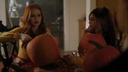 RD-Caps-4x04-Halloween-10-Cheryl-Toni