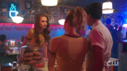 RD-Caps-2x02-Nighthawks-121-Cheryl-Jughead-Betty