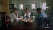 RD-Caps-2x04-The-Town-That-Dreaded-Sundown-19-Alice-Betty-Hal