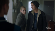 RD-Caps-2x14-The-Hills-Have-Eyes-24-Betty-Jughead