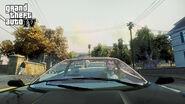 Niko driving through Dukes