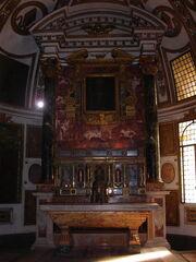 Sant'Agapito, altar.jpg