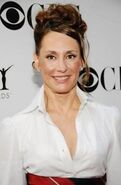 Laurie Metcalf (1)