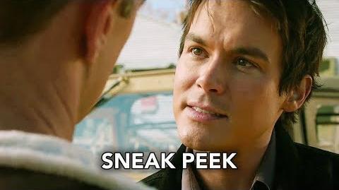 "Roswell, New Mexico 1x08 Sneak Peek ""Barely Breathing"""