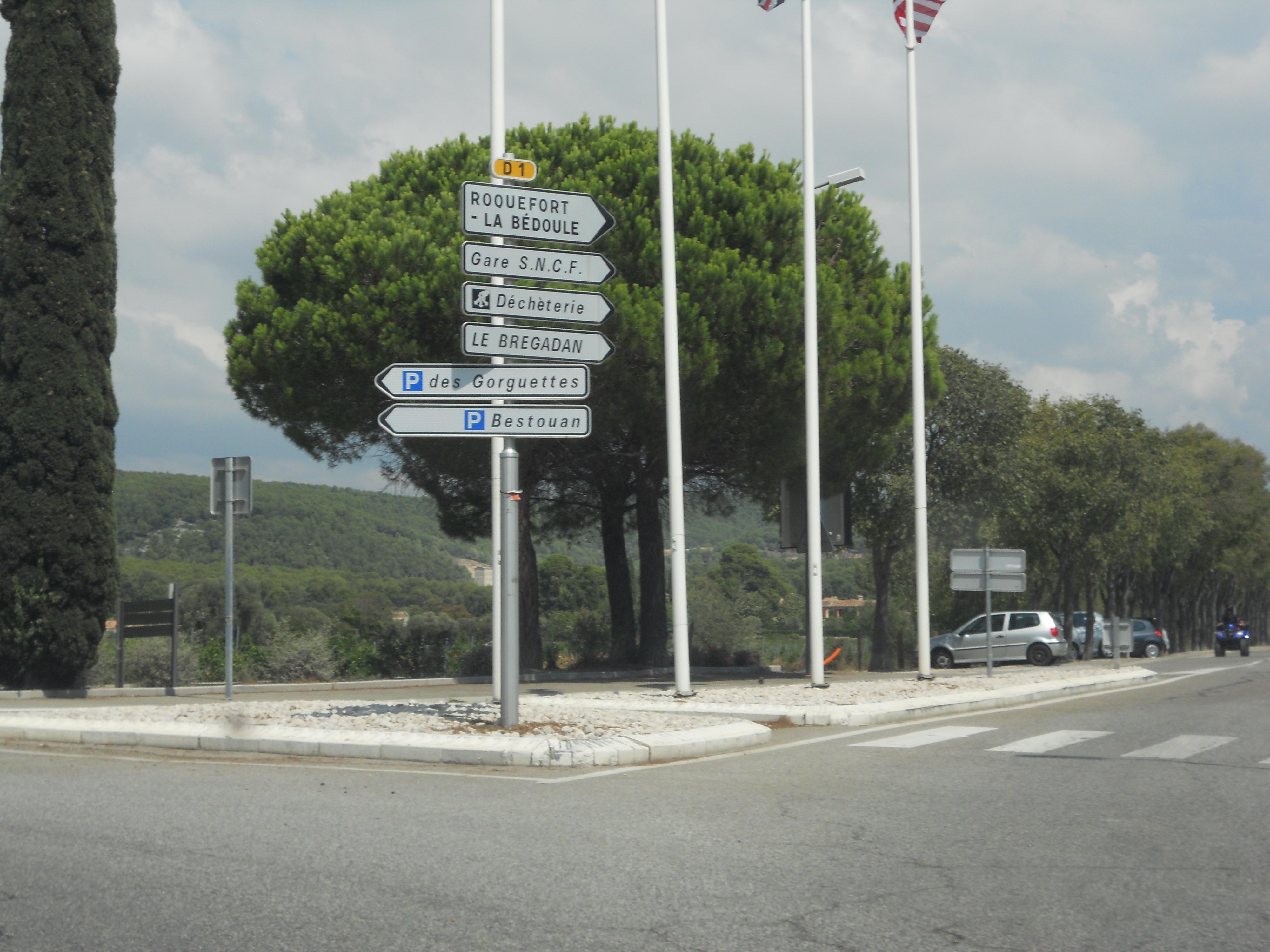 Route départementale française D1 (13)