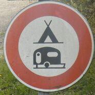 Panneau interdiction camping