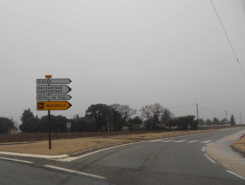 Route départementale française D8 (84)