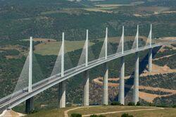 Viaduc de Millau panoramique 660px.jpg