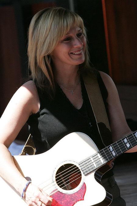 Sandy Lee Casey