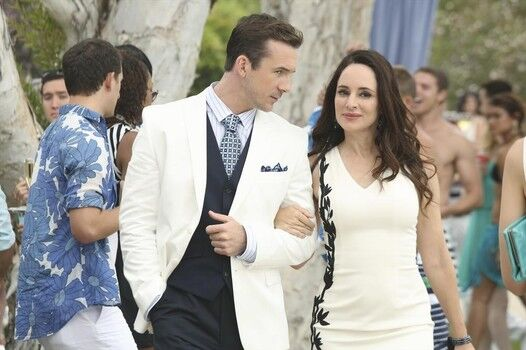 Partners-in-crime.-Aiden-Barry-Sloane-and-Victoria-Madeleine-Stowe-take-their-union-public-in-Revenge-3x03.jpg