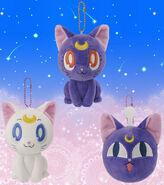 Sailormoon-ufo-crane-prize-luna-artemis-plush-2014