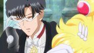 Sailor moon crystal act 20 tuxedo mask disapearing too
