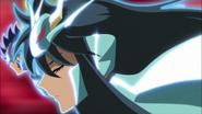 Shiryû portant l'Ancienne Armure du Dragon (Oméga)