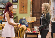 Sam and Cat staring at each other in the Pilot.jpg
