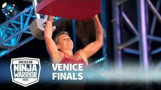 Jessie_Graff_at_2015_Venice_Finals_-_American_Ninja_Warrior