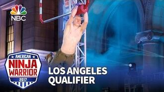 Kevin_Bull_at_the_Los_Angeles_Qualifiers_-_American_Ninja_Warrior_2017