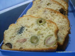 Cake au thon et aux olives.jpg