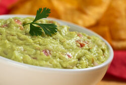 Keep-guacamole-from-turning-brown.jpg