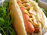 Hot-dog et relish aux oignons