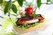 9741698-l-gumes-grill-s-avec-du-fromage-sur-des-toasts.jpg