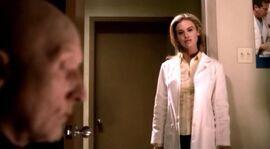 Джон навещает Джилл в клинике.jpg