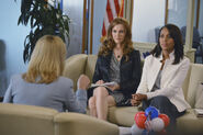 3x06 - Olivia Pope and Abby Whelan 02