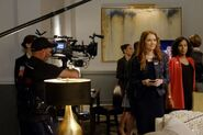 6x01 - Darby Stanchfield and Kerry Washington 01