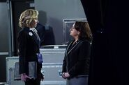 5x15 - Elizabeth North and Susan Ross 02