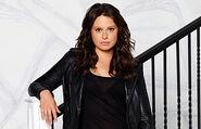 Season 4 Cast Promos - Katie as Quinn 01