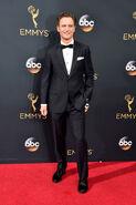 2016 Emmy Awards - Tony Goldwyn 03