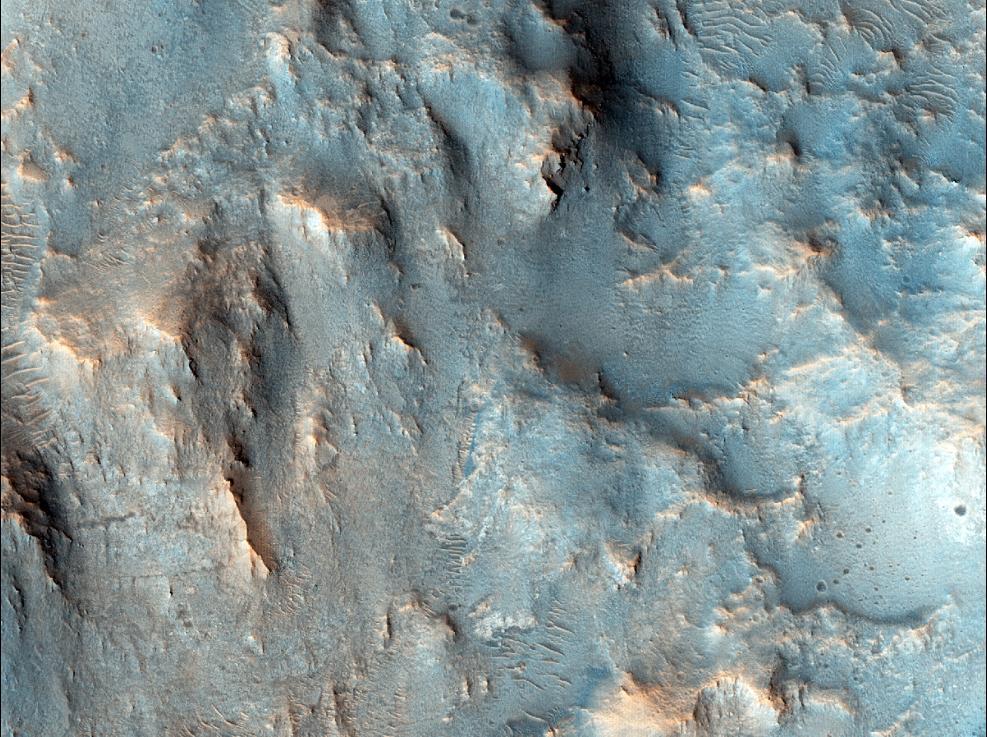 Марс - Останки речного русла и пластичные образования силикатов в районе кратера Нашир