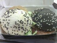 麥當勞 黑白絕色堡