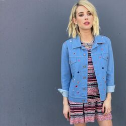 Emma-roberts-on-teh-set-of-a-photoshoot 4