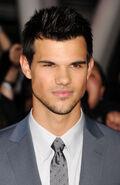 Taylor-Lautner27