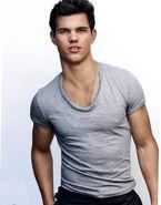 Taylor-Lautner16