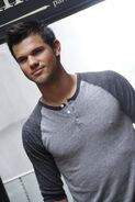 Taylor-Lautner4