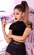 Ariana viva glam